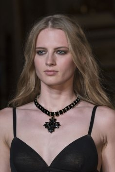 Roccobarocco-spring-2016-runway-beauty-fashion-show-the-impression-01