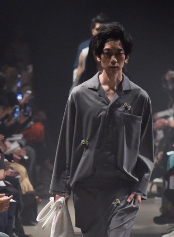 Ryota Murak Spring 2016 Fashion Show Photo