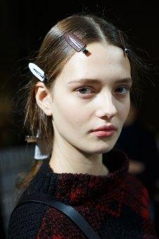 Sacai-spring-2016-beauty-fashion-show-the-impression-09