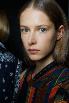 Sacai-spring-2016-beauty-fashion-show-the-impression-35