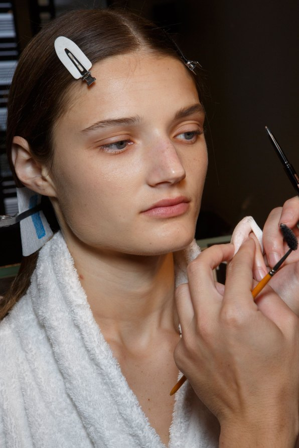 Sacai-spring-2016-beauty-fashion-show-the-impression-47