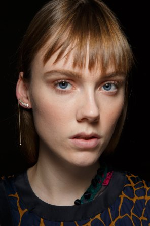Sacai-spring-2016-beauty-fashion-show-the-impression-51