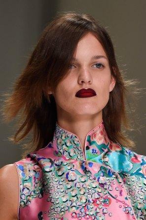 Shiatzy-Chen-spring-2016-runway-beauty-fashion-show-the-impression-27