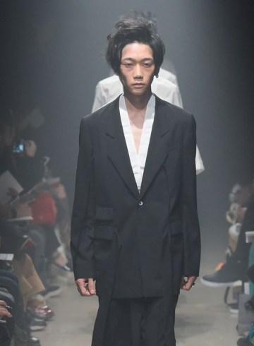 Soshi Otsuki Spring 2016 Fashion Show Photo