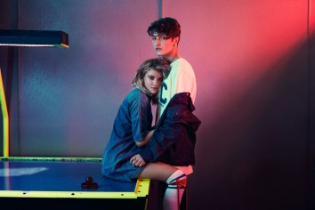 Tommy-Hilfiger-Jeans-spring-2017-ad-campaign-the-impression-16