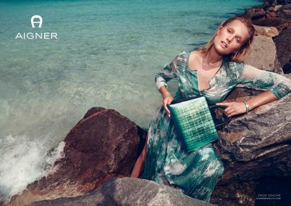 Toni-Garrn-Beach-Aigner-Spring-2016-Campaign05