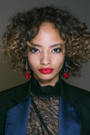 Topshop-Unique-beauty-spring-2016-fashion-show-the-impression-006