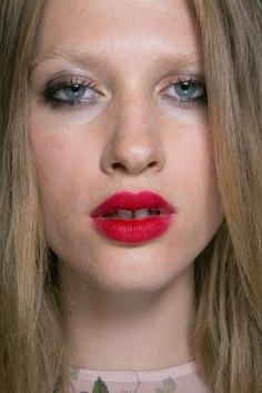 Topshop-Unique-beauty-spring-2016-fashion-show-the-impression-055