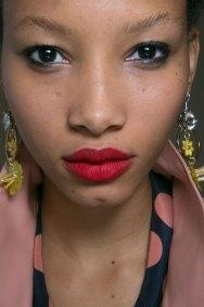 Topshop-Unique-beauty-spring-2016-fashion-show-the-impression-074