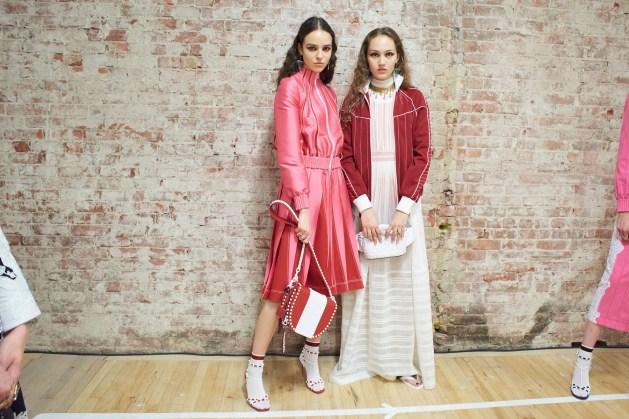 Valentino-resort-2018-backstage-fashion-show-the-impression-006
