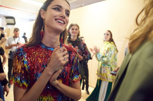 Valentino-resort-2018-backstage-fashion-show-the-impression-041