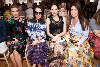 Valentino-resort-2018-front-row-fashion-show-the-impression-023
