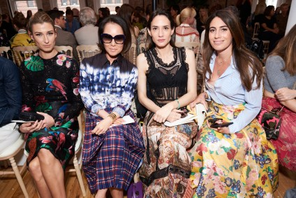 Valentino-resort-2018-front-row-fashion-show-the-impression-023