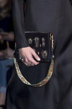 Valentino-spring-2016-handbags-fashion-show-the-impression-03
