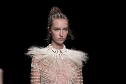Valentino-spring-2016-runway-beauty-fashion-show-the-impression-21