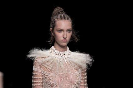 Valentino-spring-2016-runway-beauty-fashion-show-the-impression-21