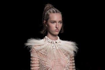 Valentino-spring-2016-runway-beauty-fashion-show-the-impression-22