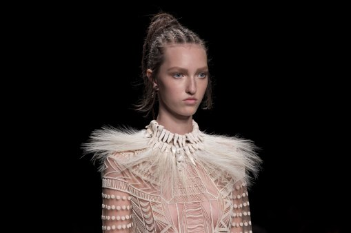 Valentino-spring-2016-runway-beauty-fashion-show-the-impression-22