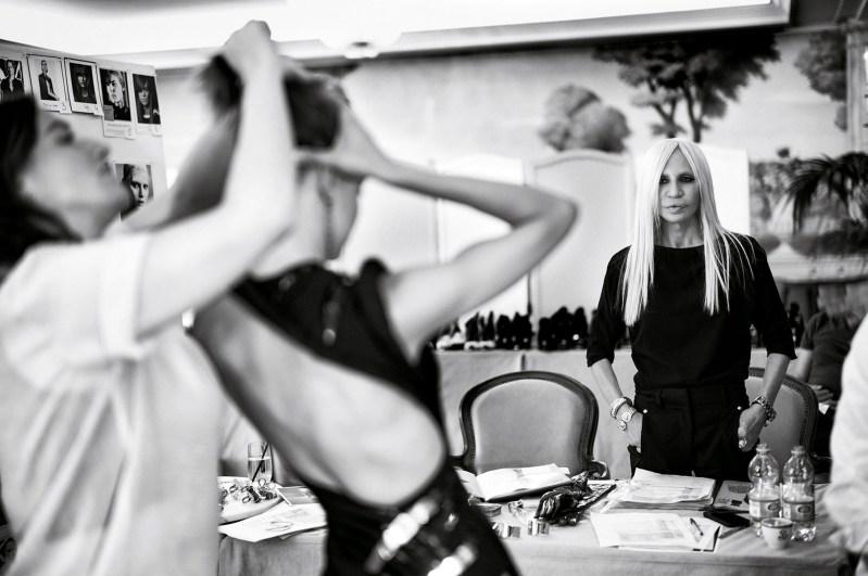 Atelier Versace Fall 2014 backstage, Paris, photo Rahi Rezvani.