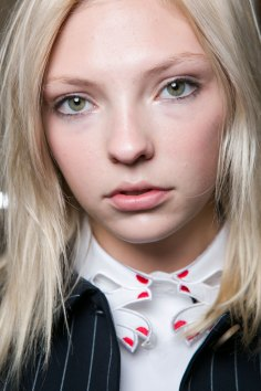 Vivetta-spring-2016-beauty-fashion-show-the-impression-19
