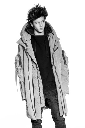 XB-OFCL-by-Brandon-Sun-fall-2017-fashion-show-the-impression-20