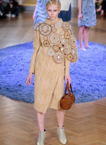 Anrealage Fall 2017 Fashion Show
