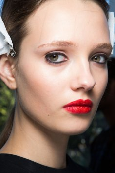 anthony-vaccarello-spring-2016-beauty-fashion-show-the-impression-04