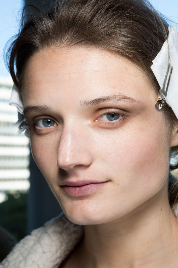 anthony-vaccarello-spring-2016-beauty-fashion-show-the-impression-12
