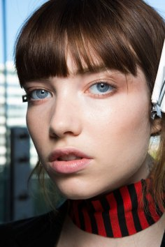 anthony-vaccarello-spring-2016-beauty-fashion-show-the-impression-14