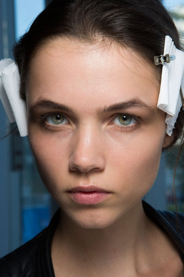 anthony-vaccarello-spring-2016-beauty-fashion-show-the-impression-16