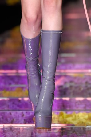 atelier-versace-close-ups-fall-2015-couture-the-impression-008