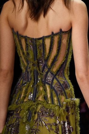 atelier-versace-close-ups-fall-2015-couture-the-impression-097