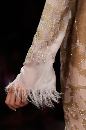 atelier-versace-close-ups-fall-2015-couture-the-impression-126