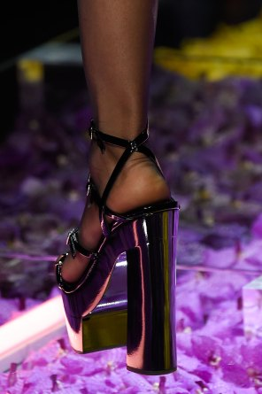 atelier-versace-close-ups-fall-2015-couture-the-impression-142