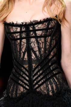 atelier-versace-close-ups-fall-2015-couture-the-impression-165