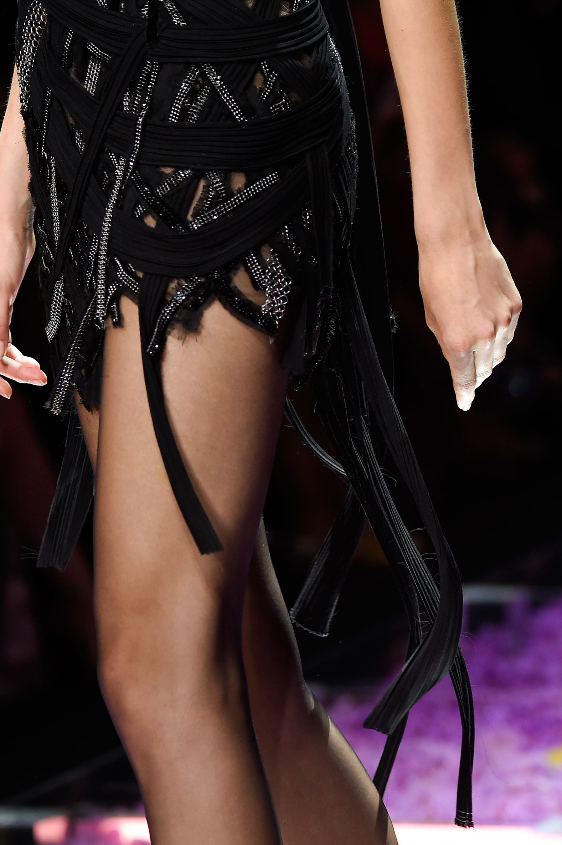 atelier-versace-close-ups-fall-2015-couture-the-impression-175