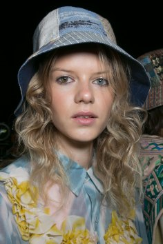bcbg-max-azria-beauty-spring-2016-fashion-show-the-impression-26