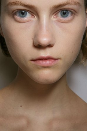 burberry-spring-2016-beauty-fashion-show-the-impression-40