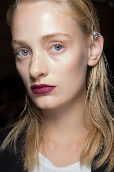burberry-spring-2016-beauty-fashion-show-the-impression-47