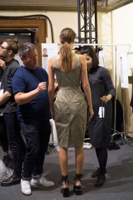 chalayan-spring-2016-backstage-fashion-show-the-impression-02