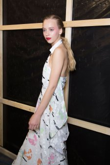 chalayan-spring-2016-backstage-fashion-show-the-impression-27