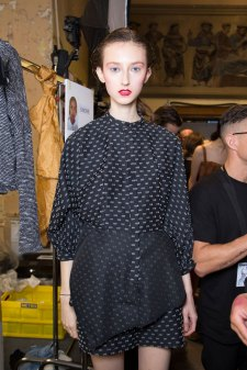 chalayan-spring-2016-backstage-fashion-show-the-impression-36