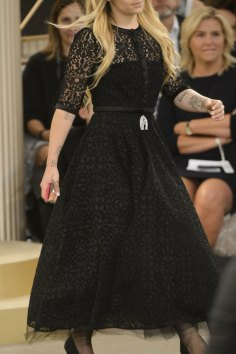 chanel-close-ups-fall-2015-couture-show-the-impression-020