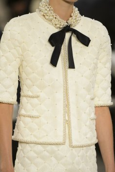 chanel-close-ups-fall-2015-couture-show-the-impression-040