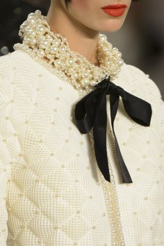 chanel-close-ups-fall-2015-couture-show-the-impression-042
