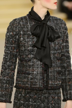 chanel-close-ups-fall-2015-couture-show-the-impression-046