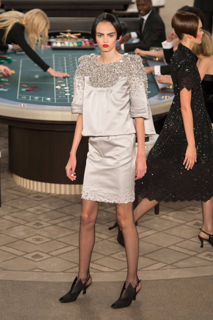 chanel-fall-2015-couture-show-the-impression-033