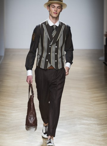 Daks Spring 2018 Men's Fashion Show