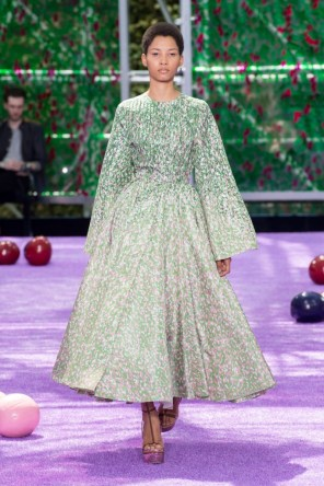 dior-fall-2015-couture-the-impression-007-682x1024