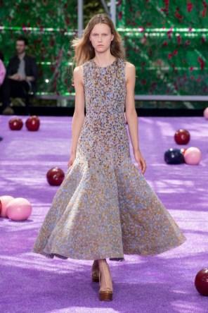 dior-fall-2015-couture-the-impression-015-682x1024